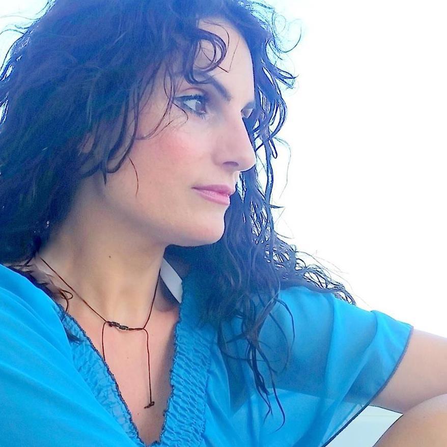Γεωργία Κακαλοπούλου:  Η συγγραφή αποτελεί κομμάτι από τη σάρκα και τον γενετικό μου κώδικα.