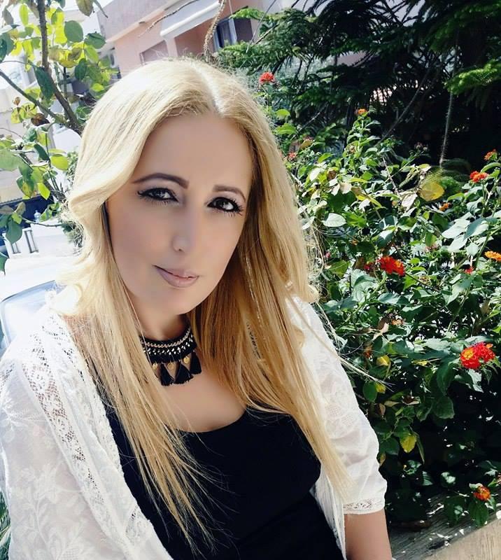 Μαρία Πέττα : Όταν γράφω απομονώνω το μυαλό μου, δεν με επηρεάζουν οι εξωτερικοί κραδασμοί.