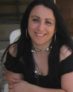 Μαρία Προδρόμου:  Δεν γράφω ποτέ κάτω από πίεση. Γράφω μόνο όταν έχω έμπνευση.