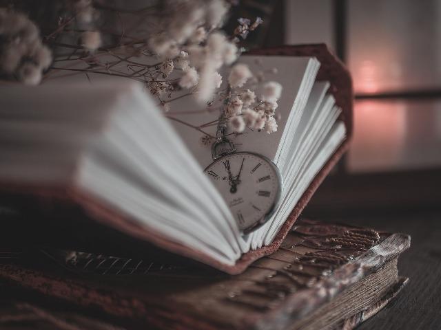 Ο μαγικός αριθμός των εκατό ιστοριών