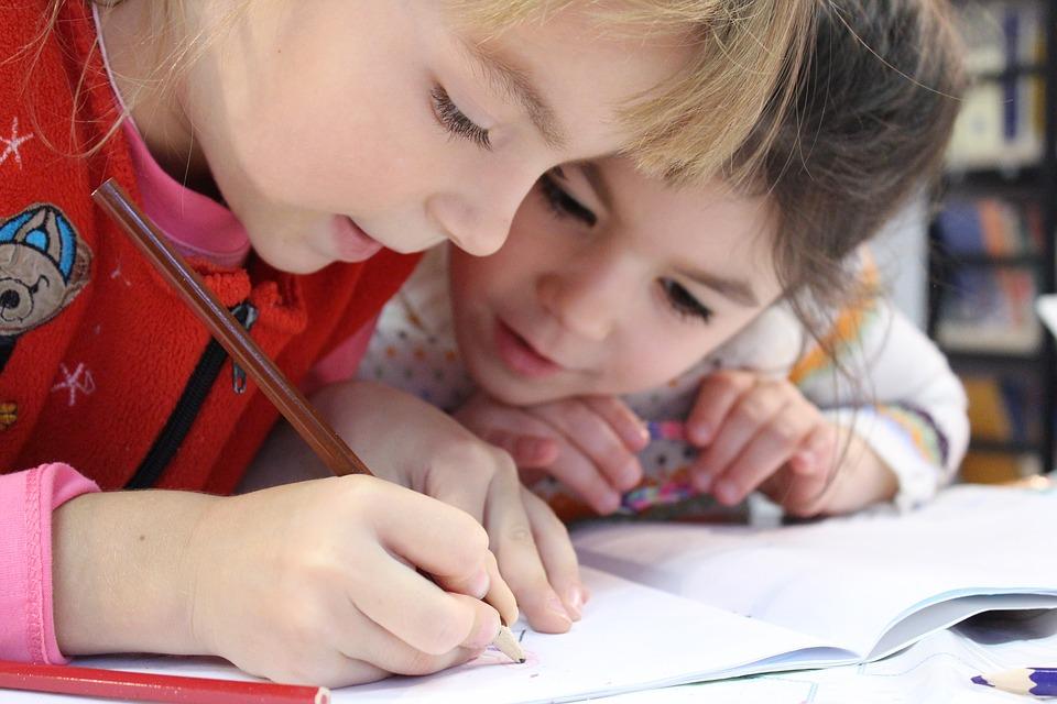 Πώς ξέρουμε ότι το παιδί κατέκτησε τον εκπαιδευτικό στοχο;