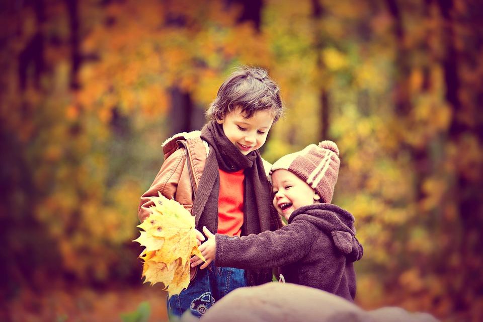 Πόσο συμβάλλει η αδελφική σχέση στην ψυχική υγεια των αδελφών;