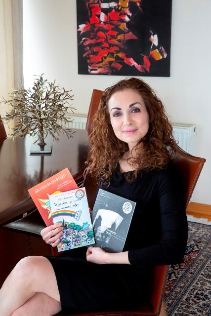 Το Writer's Gang συνομιλεί με τη Δελίνα Βασιλειάδη