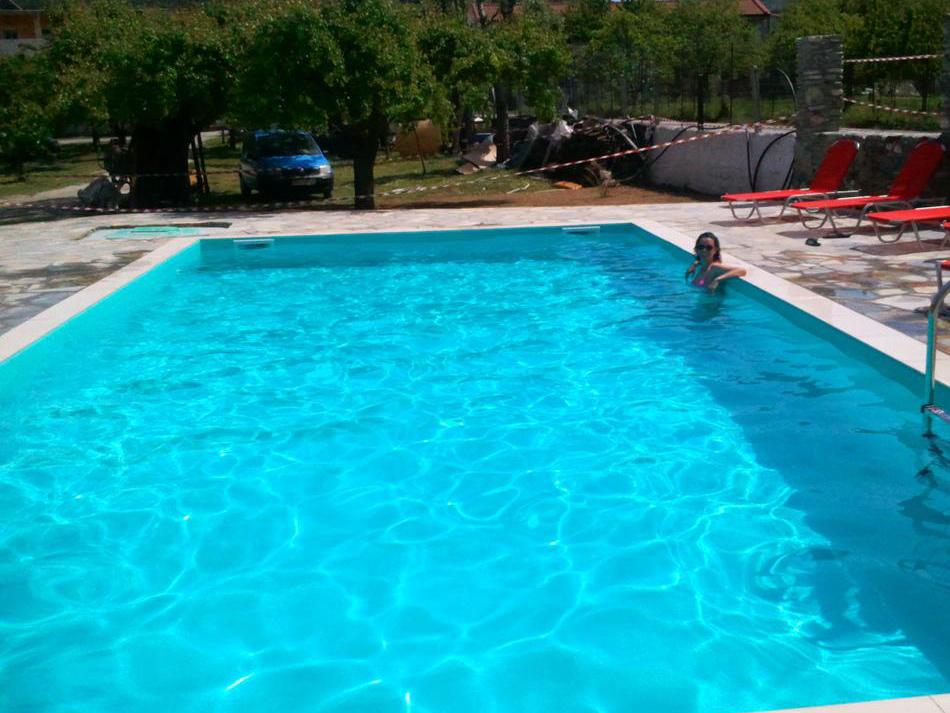 Δεκαπενταύγουστος στην πισίνα