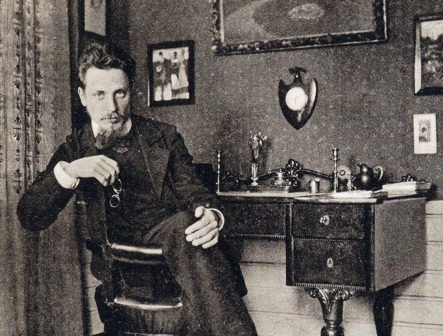 "R.M.Rilke : ""Αγαπιέμαι θα πει τυλίγομαι στις φλόγες. Αγαπώ σημαίνει φέγγω καίγοντας λάδι ανεξάντλητο""."