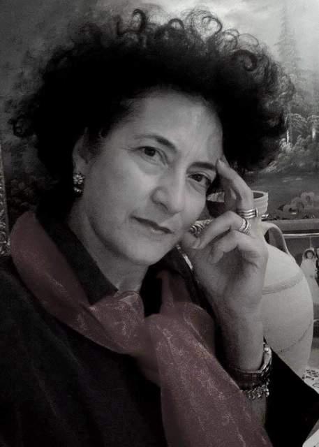 Χαρούλα Βερίγου «Η γραφή είναι ιερή υπόθεση, αποτελεί επιθυμία και επιταγή της ψυχής που έχει ανάγκη τη μοναχικότητα για να εκφραστεί».